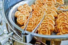Planning Tools: Make your money go further by being flexible with the day and time of your wedding. A breakfast reception (Mickey waffles, anyone?) is a great way to save money #Disney #wedding #tips