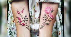Inspired by the botanical specimens she finds while walking through parks and gardens on her frequent travels, tattoo artist Pis Saro creates elegant plant portraits on the legs, arms, and spines of her international clients. Designed directly from nature, Saro's works are nearly indistinguishable f Pink Flower Tattoos, Flower Tattoo Foot, Flower Tattoo Shoulder, Flower Tattoo Designs, Floral Tattoos, Bohemian Tattoo, Boho Tattoos, Trendy Tattoos, Tattoos For Women