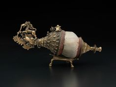 Musical Instruments: Highlights of the Metropolitan Museum of Art. by the Metropolitan Museum of Art, New York. Indian Gods, Indian Art, Sculpture Art, Sculptures, Silver Pooja Items, Hindu Statues, Lord Vishnu Wallpapers, Antique Perfume Bottles, Ancient Artifacts