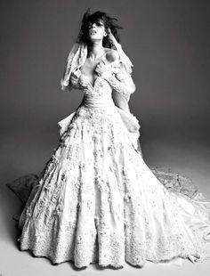 948 Best Wedding dresses images  4d3a5bee6