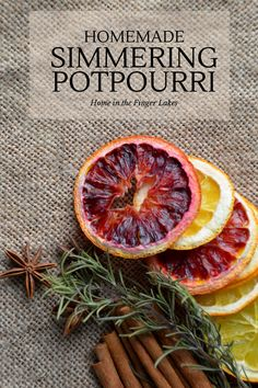 DIY Ideas with Dried Herbs - Homemade Simmering Potpourri - Creative Home Decor With Easy Step by Step Tutorials for Making Herb Crafts, Projects and Recipes - Cool DIY Gift Ideas and Cheap Homemade Gifts - DIY Projects and Crafts by DIY JOY Homemade Potpourri, Potpourri Recipes, Homemade Gifts, Diy Gifts, Gift Crafts, Stove Top Potpourri, Simmering Potpourri, Dried Orange Slices, Dried Oranges