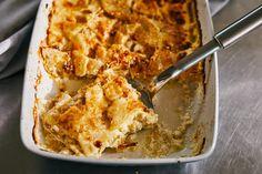 Mivel a zeller sokkal ízesebb zöldség a krumplinál, tuti siker lesz mindenkinél! Cauliflower, Macaroni And Cheese, Vegan Recipes, Vegetarian, Vegetables, Zeller, Ethnic Recipes, Kitchen, Food
