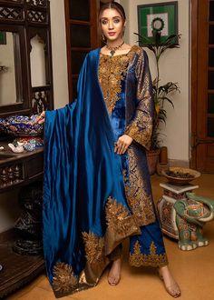 Pakistani Fashion Party Wear, Indian Fashion Dresses, Pakistani Dress Design, Indian Designer Outfits, Pakistani Outfits, Designer Dresses, Pakistani Bridal, Bollywood Fashion, Stylish Dress Designs