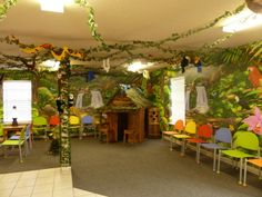 Fun jungle theme in this pediatric dental office.