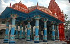 Kumbakonam's Lord Brahma temple : This lord Brahma temple is situated in famous temple city 'Kumbakonam' (also Coombaconum ) in Tamil Nadu.The temple city is almost 40 km from famous Thanjavur .