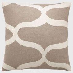 Judy Ross Waves Pillow Smoke Cream