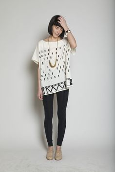 printed tunic, gold necklace, leggings, oxfords