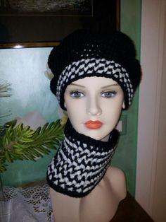 Basco e scaldacollo uncinetto in lana merino (bianco/nero)