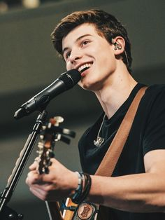 (Fc: Shawn Mendes) Hey I'm Shawn! 18 and single! I'm a singer and I'm in Magcon…