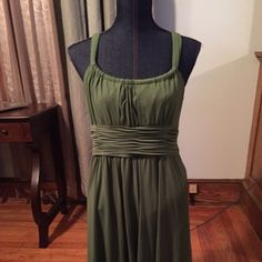OLIVE GREEN DRESS! Beautiful dress!  Looks are deceiving.  This dress can be worn in all seasons with or without a coverup.  Layered and very comfortable.  DRESS WORN ONCE. Jones New York Dresses