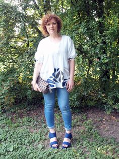 verdementa - fashion from my curvy point of view: #Outfit in blue, mud and white. #fashion #fashionblog #fashionblogger #curvy #curvygirl #curvyoutfit
