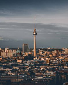 "Gefällt 7,318 Mal, 57 Kommentare - visitBerlin (@visit_berlin) auf Instagram: ""#visit_berlin TeamPick - This view over our beloved city was perfectly captured by local…"""