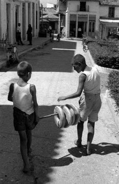 Peloponnese, Greece 1961 by Henri Cartier-Bresson Candid Photography, Photography Camera, Urban Photography, Street Photography, Greece Photography, Henri Cartier Bresson, Robert Doisneau, Magnum Photos, Black White Photos