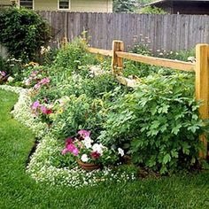 ✥ Beautiful garden.  Foreign website...hoping my virus protection is working...lol!