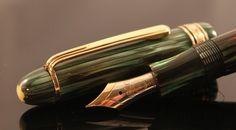 Montblanc Vintage Green Striated Celluloid 146 Fountain Pen ...