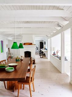 http://plascontrends.co.za/white-washed-scandinavian-floors/