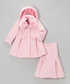 This boutique-worthy set knows a thing or two about celebrity style. With a sophisticated coat and detachable hood, plus a coordinating A-line dress with a zippered back, this ensemble ensures any little superstar in the family can still shine brightly in the coldest of weather. Includes coat and dressPolyesterMachine wa...