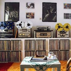 Home theaters som - Videoware Apps de Controle Residencial, Iluminao LED, Home Theater e Segurana. Home Theaters, Vinyl Collection, Record Collection, Home Music Rooms, Vinyl Record Storage, Record Shelf, Lp Storage, Media Storage, Radio Antigua