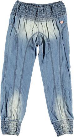 Pantalones de niña. Encuentra más ropa de niña en http://monsterskids.com/es/3-ropa-nina #moda #ropa #ninas