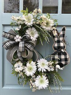Beautiful Easter Bunny Daisy Grapevine Wreath for Door. Wreaths, wreaths for front door, farmhouse, christmas : Beautiful Easter Bunny Daisy Grapevine Wreath for Door. Easter Wreaths, Holiday Wreaths, Spring Wreaths, Holiday Decor, Wreaths For Front Door, Door Wreaths, Diy Wreath, Grapevine Wreath, Diy Door
