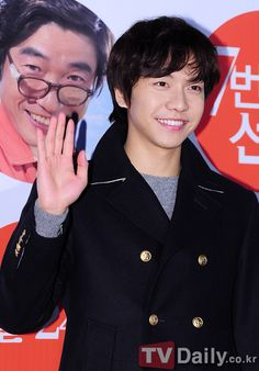 Women want candy from Lee Seung Gi on 'White Day'