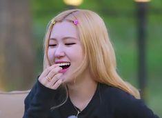 South Korean Girls, Korean Girl Groups, My Girl, Cool Girl, Red Velvet, Blackpink Memes, Lisa, Rose Icon, Rose Park