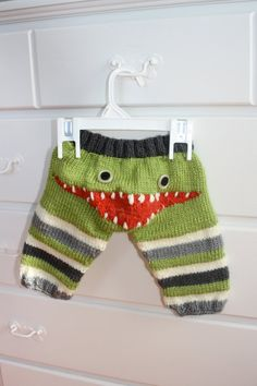 Hand Knit Monster Leggings for Baby by ricesbeans on Etsy/ would love to find a similar pattern