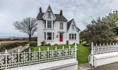 A Country House on the Isle of Guernsey - Slide Show - NYTimes.com