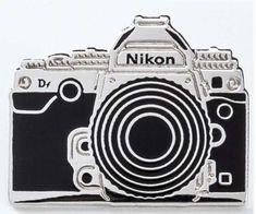 Pin's Nikon Df Argent - Nikon Store