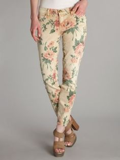 Spring is coming... Better get your closet ready with pretty pastels and florals!    Current Elliott Mid rise skinny stiletto bold rose print jean Rose - House of Fraser