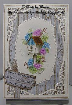 Petpan: Blooming birdhouse