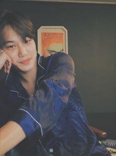 I love you in the morning & I love you in the evening 🎶🎵 I love you too much ❣️ kimjonginified Baekhyun, Kaisoo, Exo Kai, Exo Lockscreen, Kim Minseok, Billy Elliot, Kpop Exo, Exo Members, Kpop Groups