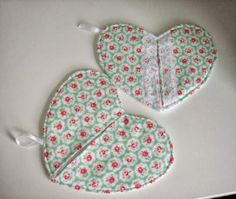 Heart pot holders with lace