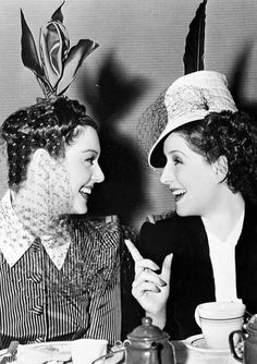 Rosalind Russell and Norma Shearer on the set of THE WOMEN