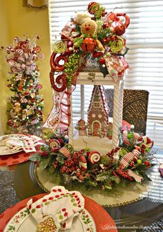 We have collected a few unique and stunning christmas lanterns decoration ideas that will certainly add warmth and holiday cheer  Gingerbread Christmas Decor, Gingerbread Decorations, Xmas Decorations, Rustic Christmas, Simple Christmas, Beautiful Christmas, Christmas Wreaths, Diy Christmas, Gingerbread Men