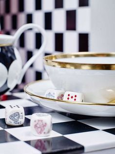 © Gregor Titze, Visual ConcepT & Stylist Sarah Riga Mark Thomas, Riga, Highlights, Concept, Tableware, White Rabbits, Cup And Saucer, Carafe, Alice In Wonderland