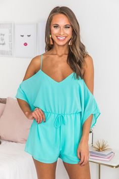 Keeping your closet up to date with the newest styles is easy when you choose women's boutique clothing from Pink Lily. Online Fashion Boutique, Boutique Clothing, New Outfits, Cute Outfits, Spring Fashion, Autumn Fashion, Playsuits, Jumpsuits, Legally Blonde