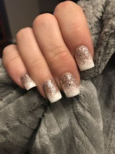 White and rose gold glitter nails gold tip nails, gold manicure, faded nail Gold Tip Nails, Gold Manicure, Faded Nails, Glitter Gel Nails, Rose Gold Nails, Diamond Nails, La Nails, Acrylic Nails, White Nails With Gold