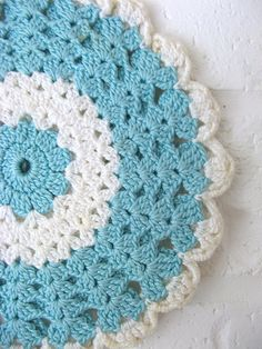 Doily. I wonder ... How it will look like on the floor ...