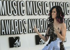 The 11 Most Badass Middle Fingers At The VMAs