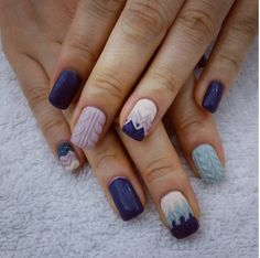Ombre cable knit sweater nail design