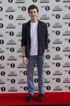 Shawn Mendes | Check Out All The Celebrities Who Attended The 2014 Radio 1 Teen Awards