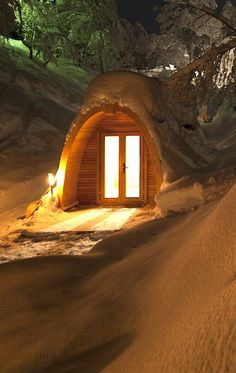 Eco pod hotel, Flims Repinned by www.gorara.com Eco Pods, German Houses, Modern Architects, Underground Homes, Glamping, Switzerland, Travel Inspiration, Hotels, Room Decor