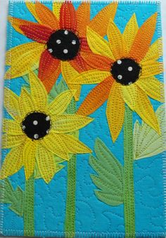Flower postcard quilt posted at Pinkadot Quilts: Rainy Tuesday looks like Margie! Fabric Postcards, Fabric Cards, Small Quilts, Mini Quilts, Quilting Projects, Quilting Designs, Sunflower Quilts, Patch Aplique, Miniature Quilts