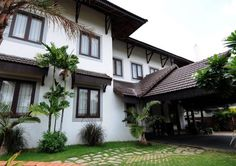 Village House Design, Kerala House Design, Village Houses, Kerala Traditional House, Traditional Homes, Kerala Architecture, Kerala Houses, Courtyard House, New House Plans