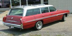1961 Pontiac Bonneville Safari