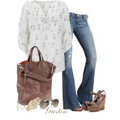 Cute casual! I have the bag and sandals.
