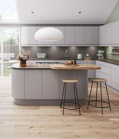 Luna Matt Grey Kitchen And Dining Room In 2019 Cashmere Kitchen Light Grey Kitchens, Gray And White Kitchen, Modern Farmhouse Kitchens, Home Kitchens, Kitchen Grey, Kitchen Wood, Luna Kitchen, New Kitchen, Awesome Kitchen