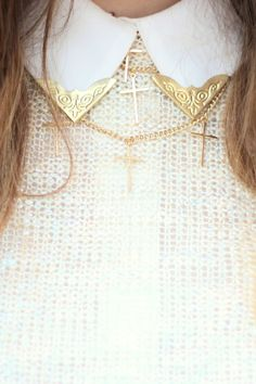 collar clips and matching necklaces. i love the under the collar trend. Peter Pan Necklace, Collar Tips, Clothes Crafts, Matching Necklaces, Cross Necklaces, Types Of Collars, Fashion Outfits, Womens Fashion, Fashion Ideas