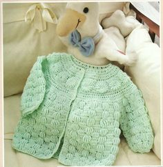 AWWW someone make this for Nina! Free Crochet Patterns and Projects, How To Crochet Guides, Charts Crochet Baby Sweaters, Crochet Baby Cardigan, Crochet Baby Clothes, Knit Or Crochet, Baby Knitting, Free Crochet, Crochet Girls, Crochet For Kids, Baby Patterns